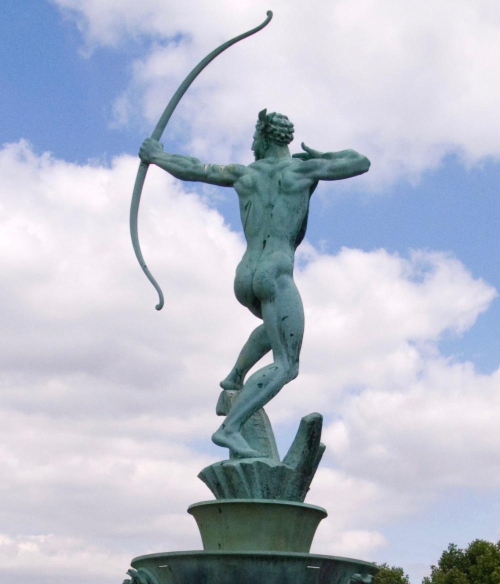 Bloye_Apollo_statue_Dudley (1).jpg