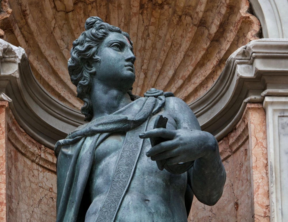 apollo-statue--campanile-of-st--mark-s--venice--italy-803241906-5b91c83046e0fb00506a3034 (1).jpg